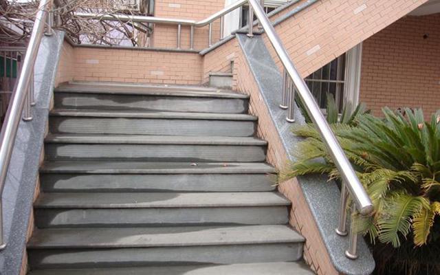 室外楼梯设计要点,材料 高度与危险规避 维客网装修资讯