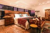131平美式古典风格卧室装饰设计