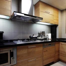 """現代二居室設計 把""""樹""""搬回家中客廳"""