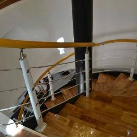 美發店旋轉樓梯裝修效果圖