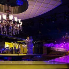 酒吧吊頂吧臺裝修
