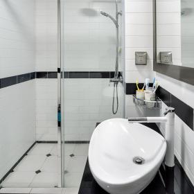 卫生间黑白瓷砖搭配效果图
