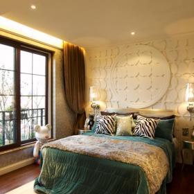 81平欧式卧室床头背景墙图片