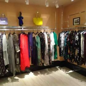 成都服裝店服飾展示