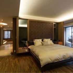 中式家装卧室照片墙效果图