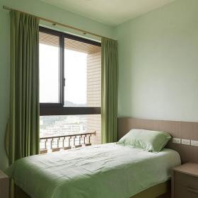 現代簡約臥室飄窗裝修設計案例