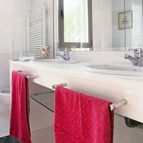 三居室簡約衛生間洗手盆設計