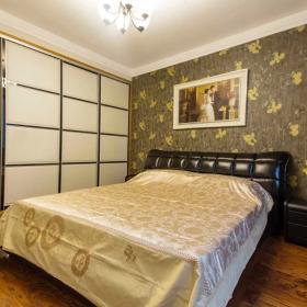 简约风格卧室背景墙壁画
