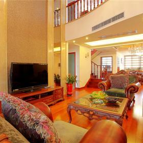 復式家居中式客廳設計