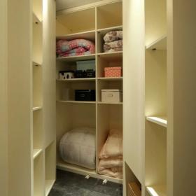 最新地中海風格臥室整體衣柜圖片