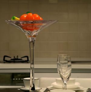 現代簡約別墅室內設計廚房餐具圖片