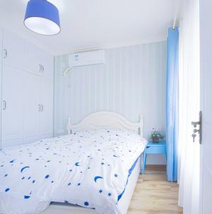彩色地中海风格卧室装修设计