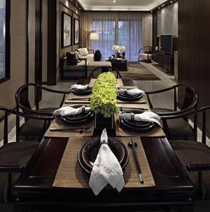 舒适个性现代风三居室餐厅设计