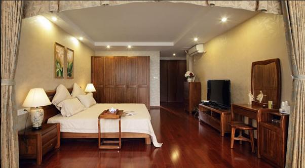 250平米中式别墅卧室?#35745;? /> <p>250平米中式别墅卧室?#35745;?/p><img  class=