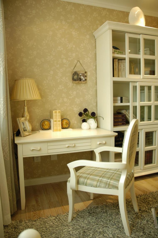 120平米温馨欧式风格书房背景墙效果图