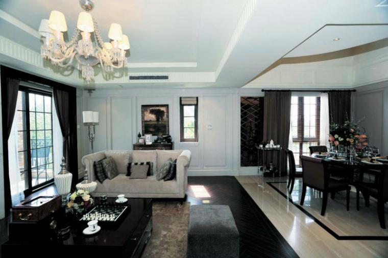 130平米欧式时尚客厅吊顶装修设计