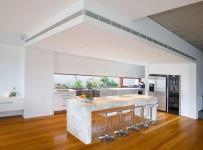 新房吧臺椅廚房吊頂吧臺別墅簡約廚房吊頂簡潔自然的開放式廚房吧臺設計效果圖大全