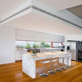 新房吧台椅厨房吊顶吧台别墅简约厨房吊顶简洁自然的开放式厨房吧台设计效果图大全