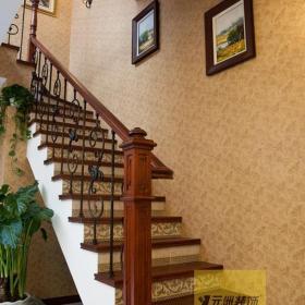 復式樓歐式風格樓梯裝修效果圖