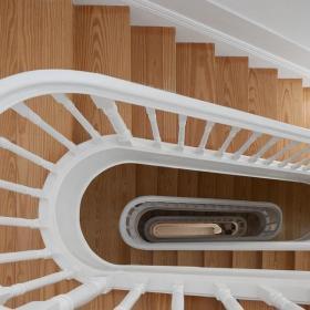 旋轉整體樓梯展示效果圖