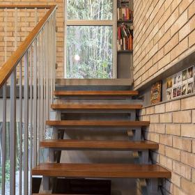 簡約樓梯扶手簡潔自然的樓梯設計效果圖大全