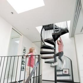 時尚家居室內旋轉樓梯圖片效果圖