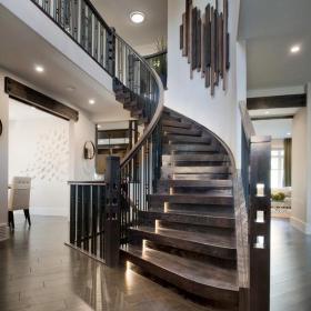 實木旋轉樓梯結構設計效果圖