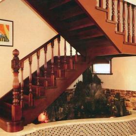 美式風格過道樓梯裝修效果圖美式風格實木樓梯圖片