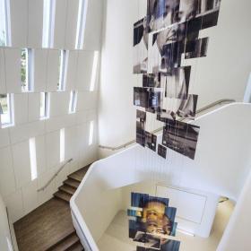 旋轉樓梯展會展廳設計效果圖