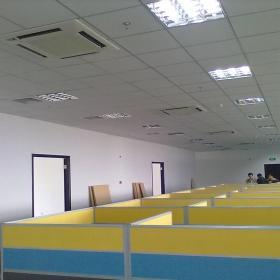 高档写字楼120平米办公区效果图