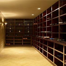 美式風格地下室酒窖裝修圖片效果圖