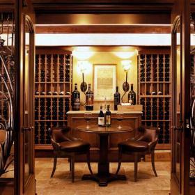 美式风格酒窖酒柜图片效果图
