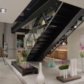 现代简约客厅地台_惬意氛围地台客厅