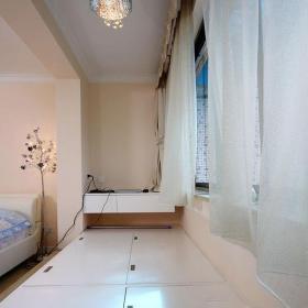 吊灯榻榻米地台卧室窗帘简约风格小阳台改卧室装修图片装修效果图