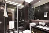 淋浴间黑色91-120平米三居室新古典风格深色系淋浴房卫生间效果图