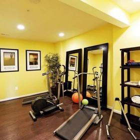 工作區儲藏室地下室簡約健身房實際圖效果圖