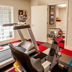 工作區儲藏室地下室健身房效果圖