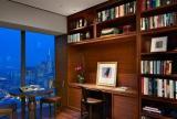 实木家具椅凳书桌茶几美式风格书房背景墙装修效果图美式风格简易书架图片