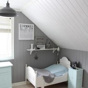 斜頂閣樓幼兒房間布置效果圖