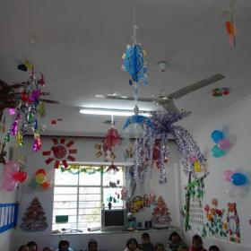 吊飾布置環境布置廁所門工裝現代風格幼兒園吊飾布置圖片效果圖大全