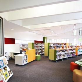 青少年圖書館內部設計圖片效果圖