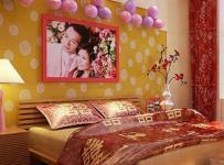 红色婚房布置上用品客厅背景墙中式大户型床精心布置的婚房卧室空间效果图