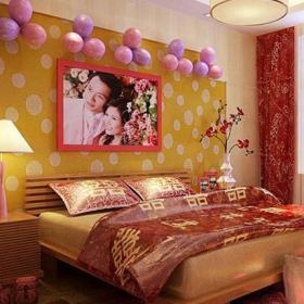 紅色婚房布置上用品客廳背景墻中式大戶型床精心布置的婚房臥室空間效果圖