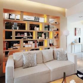 简约客厅入墙式博古架装修效果图