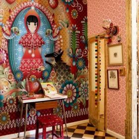 """客厅背景墙波西米亚红色绚烂夺目的""""小红帽背景墙设计效果图"""