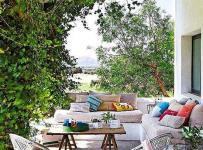 鄉村沙發入戶花園綠色花園中休閑的客廳設計效果圖