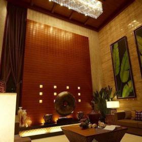 东南亚吊顶背景墙别墅茶几吊顶大气优雅的南亚客厅装修效果图大全