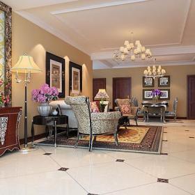 台灯装饰画椅吊灯照片墙餐桌餐椅客厅139㎡三居室简欧风格客餐厅装饰画装修效果图简欧风格沙发椅图片