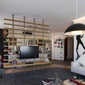 2012创意小户型客厅镂空博古架电视背景墙装修图片效果图