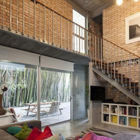 新房樓梯家具別墅簡約樓梯簡潔自然的客廳設計效果圖